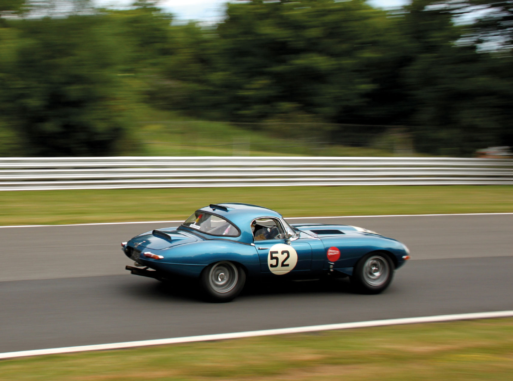 Brands Hatch Superprix: Jaguar Classic Challenge: der E-Type von Robert Oldershaw
